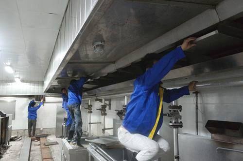东莞的饭堂抽油烟机抽油烟罩清洗服务